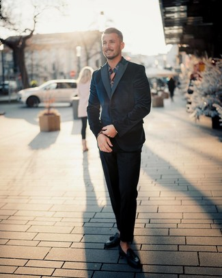 How to Wear a Navy and White Floral Long Sleeve Shirt For Men: For rugged refinement with a contemporary spin, try pairing a navy and white floral long sleeve shirt with a navy velvet suit. Finishing with black leather tassel loafers is a fail-safe way to infuse a hint of refinement into this getup.