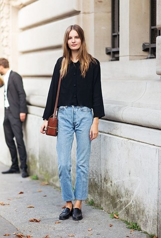 How to wear: tobacco leather crossbody bag, black leather loafers, light blue boyfriend jeans, black shirt jacket