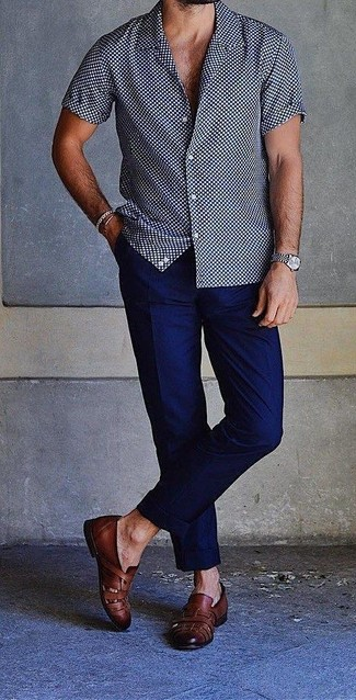 How to wear: silver watch, black leather loafers, navy chinos, navy and white polka dot short sleeve shirt