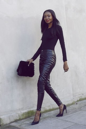How to wear: black long sleeve t-shirt, black leather skinny pants, black suede pumps, black fur clutch