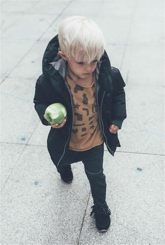 How to wear: black parka, tan t-shirt, black jeans, black boots