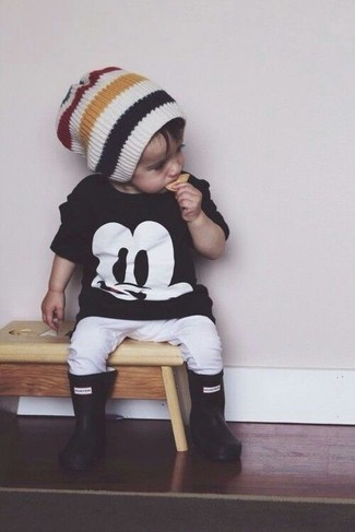 How to wear: white beanie, black rain boots, white sweatpants, black t-shirt