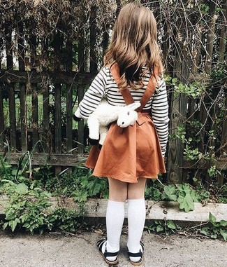 How to Wear a White Horizontal Striped T-shirt For Girls: Dress your little fashionista in a white horizontal striped t-shirt and a tobacco skirt for a beautiful casual get-up. This look is complemented nicely with black sandals.
