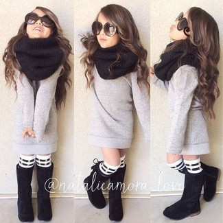 How to wear: white and black horizontal striped socks, black scarf, black boots, grey sweater