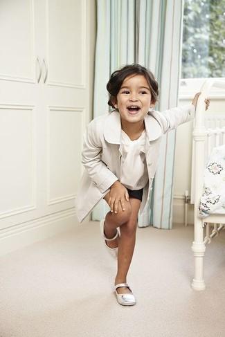 How to wear: white ballet flats, black shorts, white long sleeve shirt, white trench coat