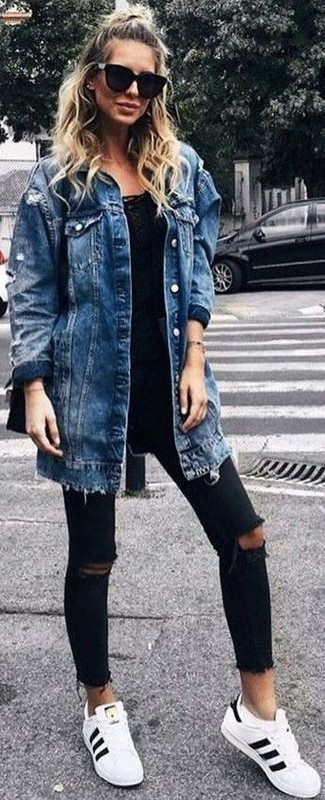 How to wear: white and black leather low top sneakers, black ripped skinny jeans, black tank, blue denim coat