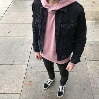How to wear: black suede low top sneakers, black skinny jeans, pink hoodie, black denim jacket
