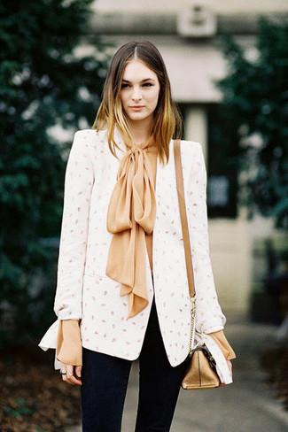 How to wear: gold leather crossbody bag, black skinny jeans, tan silk long sleeve blouse, white blazer