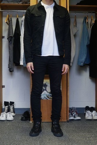 How to Wear a White Crew-neck T-shirt For Men: This laid-back pairing of a white crew-neck t-shirt and black skinny jeans is very versatile and really up for any sort of adventure you may find yourself on. For extra style points, complete this look with black leather high top sneakers.