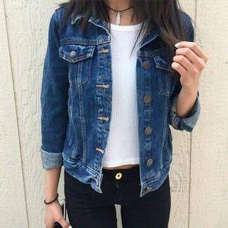 How to wear: black skinny jeans, white short sleeve sweater, navy denim jacket