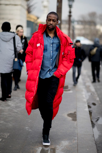 How to wear: black leather high top sneakers, black sweatpants, blue chambray long sleeve shirt, red parka