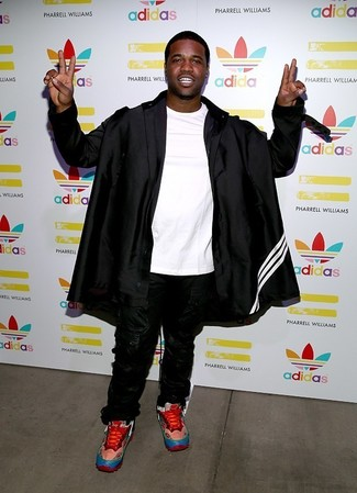 How to wear: red athletic shoes, black sweatpants, white crew-neck t-shirt, black raincoat