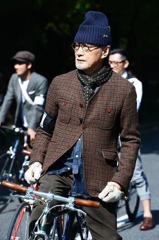 Men's Dark Brown Houndstooth Blazer, Blue Denim Shirt, Grey Chinos, Navy Beanie