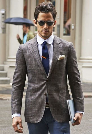 How to wear: grey blazer, violet dress shirt, navy chinos, navy knit tie