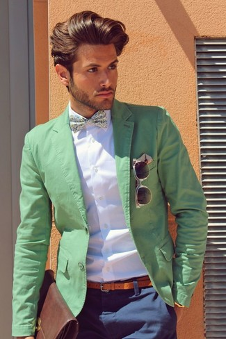 How to wear: green blazer, white dress shirt, navy chinos, brown leather briefcase