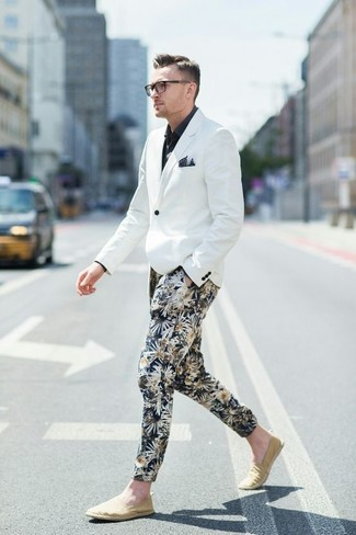 How to wear: white blazer, black dress shirt, black floral chinos, beige canvas slip-on sneakers