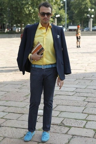 How to wear: navy blazer, yellow dress shirt, navy chinos, light blue suede driving shoes