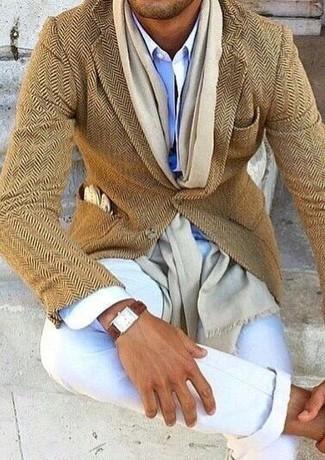 How to wear: tan herringbone wool blazer, light blue dress shirt, white chinos, beige scarf