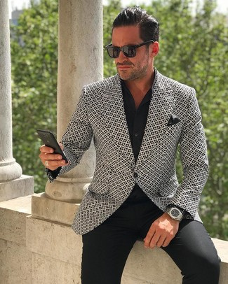This smart casual pairing of a white and black print blazer and a black pocket square takes on different moods. The ease and comfort of this look takes care of the heat and helps you make a sartorial statement wherever you go.