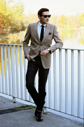 How to wear: tan blazer, light blue dress shirt, black jeans, dark brown leather derby shoes