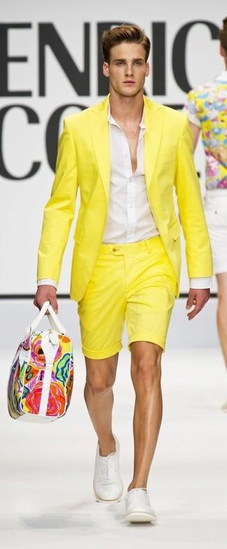 How to wear: yellow blazer, white dress shirt, yellow shorts, white leather oxford shoes