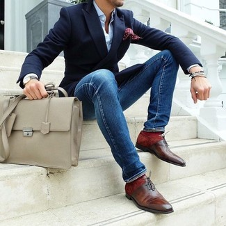 How to wear: navy blazer, light blue dress shirt, blue skinny jeans, brown leather oxford shoes