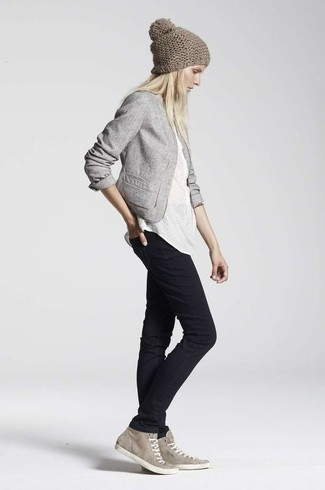 How to wear: grey cotton blazer, white henley shirt, black skinny jeans, grey suede high top sneakers
