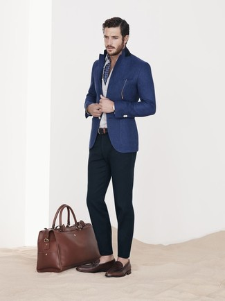 How to wear: blue wool blazer, white long sleeve shirt, navy chinos, dark brown leather loafers