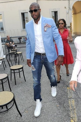 How to wear: light blue blazer, white long sleeve shirt, navy ripped jeans, white leather high top sneakers