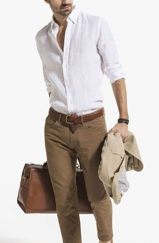 How to wear: beige cotton blazer, white linen long sleeve shirt, brown skinny jeans, brown leather duffle bag