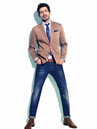 How to wear: brown cotton blazer, light blue long sleeve shirt, navy ripped skinny jeans, dark brown suede desert boots