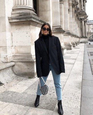 Step up your off-duty look in a black blazer and J.Crew women's Ray Ban Erika Sunglasses. Black leather ankle boots will add elegance to an otherwise simple look. With rising temperatures comes spring and the need for a fresh look just like this one.