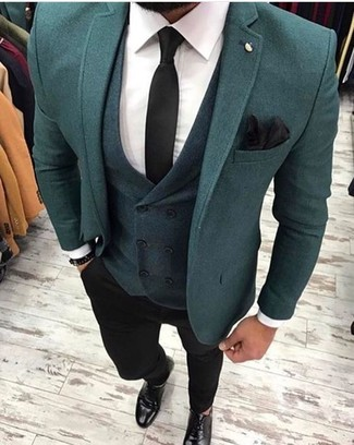 This combo of a teal blazer and a Nordstrom Shop Silk Pocket Square will add a graceful essence to your outfit. A pair of black leather derby shoes looks very fitting here. If you're already bored of your autumn fashion options, this ensemble just might be the inspo you are looking for.