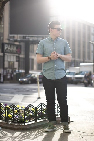 How to wear: blue chambray short sleeve shirt, navy jeans, olive plimsolls
