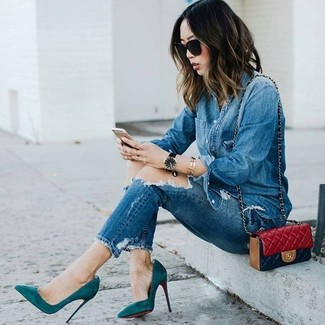 How to wear: blue denim shirt, blue ripped skinny jeans, teal suede pumps, red quilted leather crossbody bag