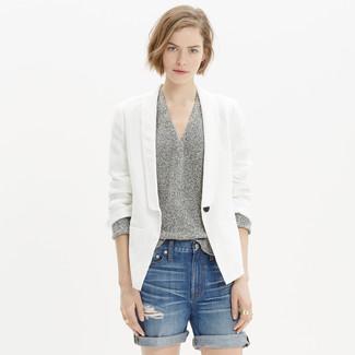 How to wear: blue ripped denim shorts, grey v-neck sweater, white linen blazer