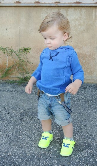 How to wear: blue hoodie, light blue denim shorts, green-yellow sneakers
