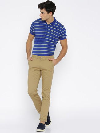 How to wear: blue horizontal striped polo, khaki chinos, navy suede slip-on sneakers