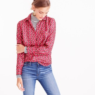 How to wear: beige earrings, blue jeans, hot pink print dress shirt, white and black horizontal striped turtleneck