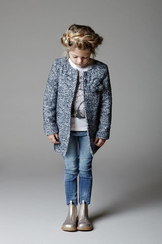 How to wear: silver boots, blue jeans, white long sleeve t-shirt, blue coat