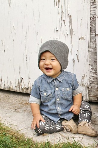How to wear: blue denim long sleeve shirt, grey sweatpants, tan boots, grey beanie