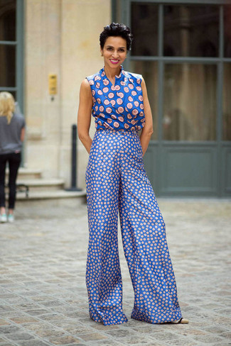 How to wear: blue print wide leg pants, blue print sleeveless top