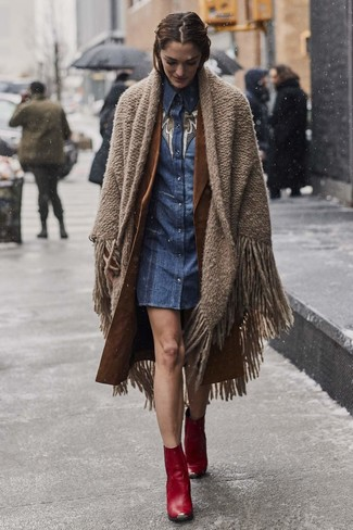 How to wear: red leather ankle boots, blue denim shirtdress, brown trenchcoat, brown shawl