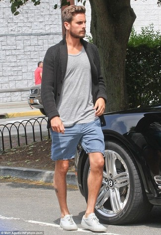 How to wear: white leather low top sneakers, blue denim shorts, grey crew-neck t-shirt, charcoal shawl cardigan