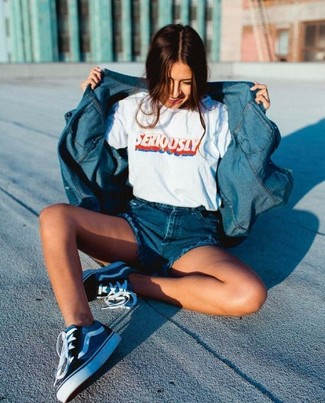 How to wear: navy canvas low top sneakers, blue denim shorts, white print crew-neck t-shirt, blue denim shirt