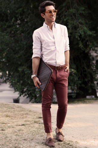 How to wear: dark brown print leather zip pouch, brown leather boat shoes, burgundy chinos, beige dress shirt