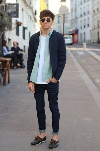 How to wear: navy bomber jacket, mint long sleeve shirt, white crew-neck t-shirt, navy skinny jeans