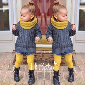 How to wear: yellow scarf, black boots, blue denim shorts, grey sweater