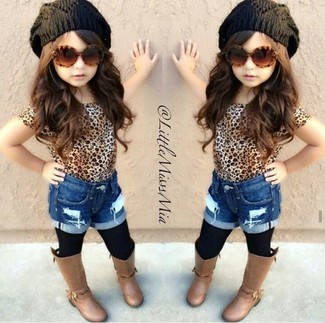 How to wear: black beanie, brown boots, blue denim shorts, tan leopard t-shirt