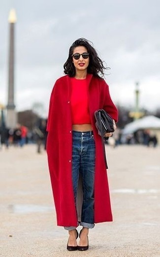 How to wear: black leather pumps, blue boyfriend jeans, red cropped top, red coat